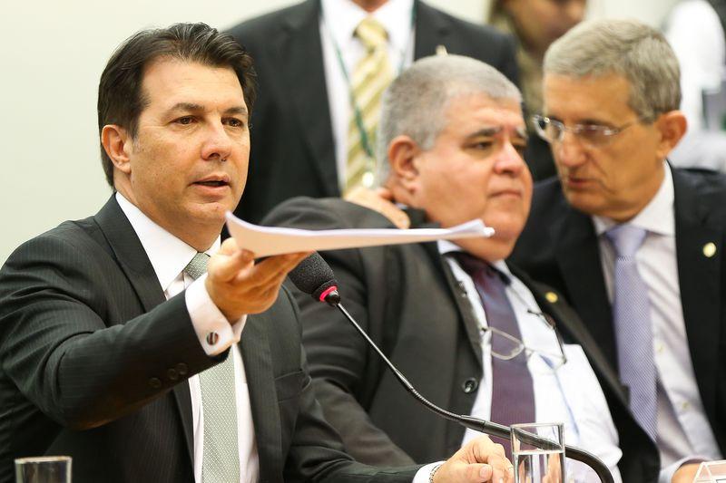 Os deputados Arthur Maia, Carlos Marun, e Darcísio Perondi durante sessão da comissão especial da Reforma da Previdência