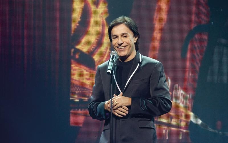 Tom Cavalcante tem agenda em Porto Alegre e Novo Hamburgo com espetáculo Stomdup