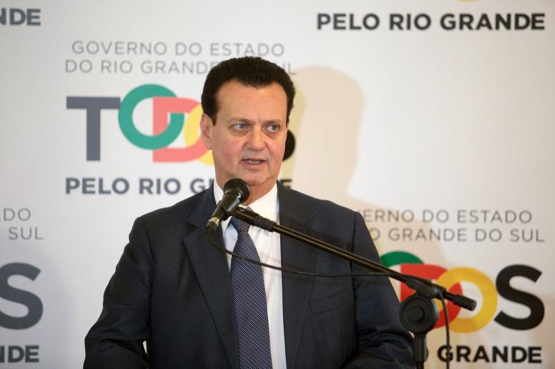 Ministro Gilberto Kassab participou de cerimônia no Palácio Piratini
