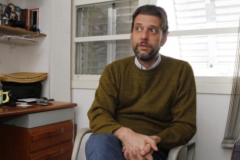 ''Não foi suficiente o PMDB ascender à presidência para construir uma maioria'', afirma