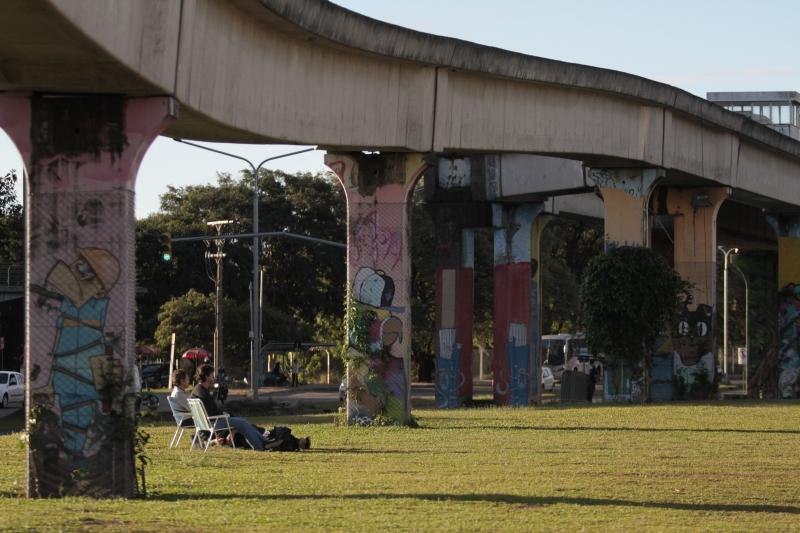 Derrubada seria cara e prejudicaria uso do parque, diz vereador