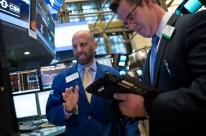 Bolsas de Nova Iorque fecham sem sinal único, influenciadas por balanços