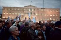 Parlamento grego aprova novas medidas de austeridade