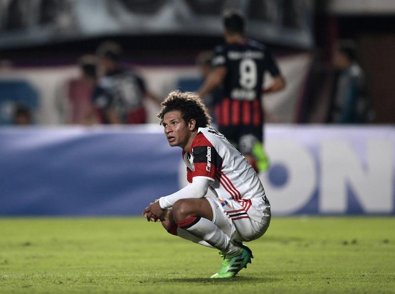 Rafael Vaz abatido pela derrota contra o San Lorenzo
