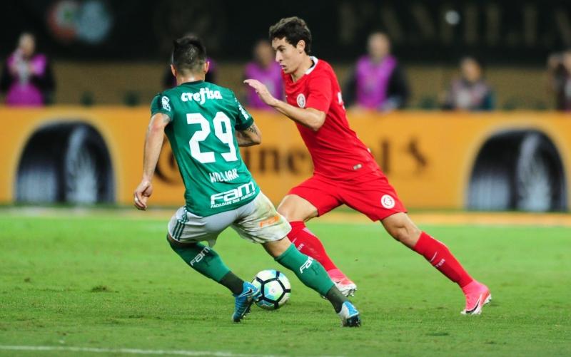 Rodrigo Dourado teve a chance do empate, mas parou em Prass