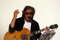 Bebeto Alves participa de sessão de música e conversa no Vila Flores
