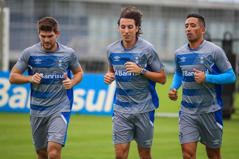Kannemann, Geromel e Barrios devem estar entre os titulares desta tarde