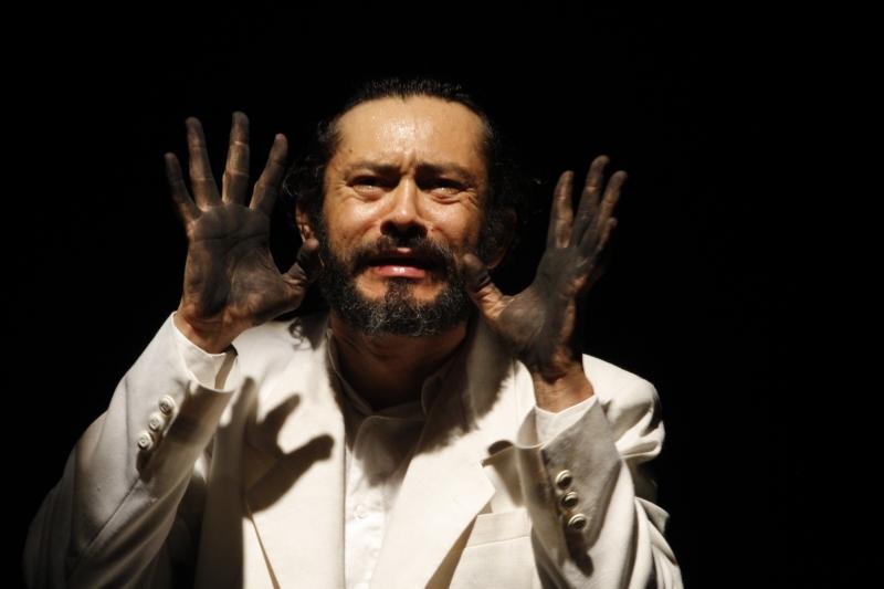 Monólogo com Dinho Lima Flor, Ledores no breu faz única apresentação hoje