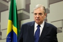 Tasso lança candidatura e reforça cobrança por ética no PSDB