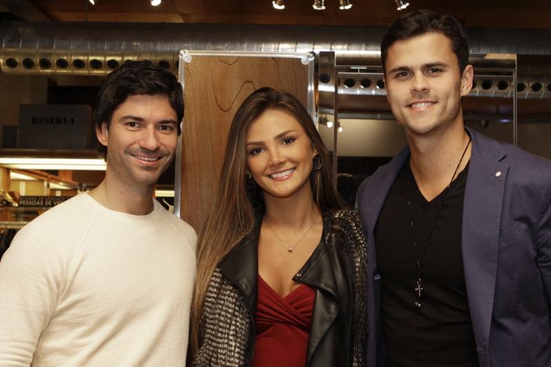 Felipe Hemb com Ana Clara Gandolfi e Gabriel Ries