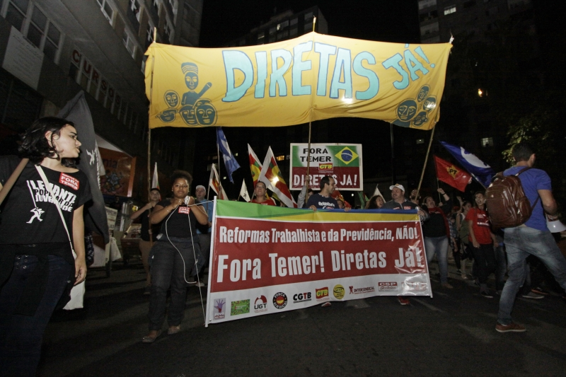 Manifestantes querem eleições gerais e defendem greve, se o governo aprovar as reformas