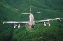 Avião da Embraer em teste nos EUA sofre acidente durante exercício