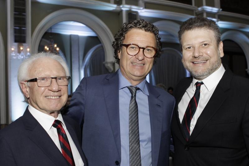 Milton Melnick, Hermes Gazzola e Juliano Melnick  brindaram a conquista da Melnick Even
