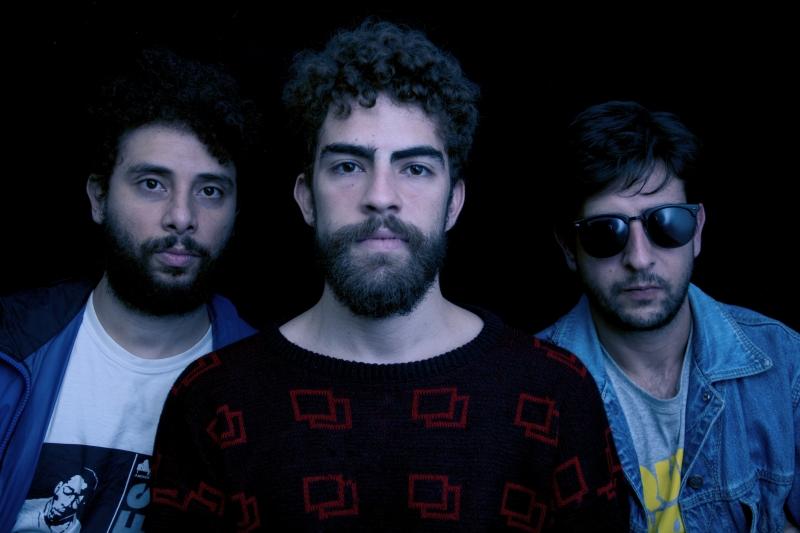 Grupo Pássaro Vadio lança disco na noite de hoje
