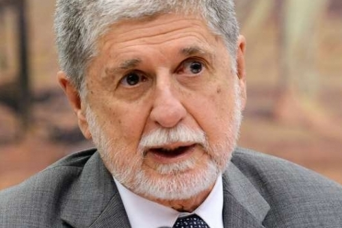 740849-01-02.JPG MINISTRO DA DEFESA CELSO AMORIM BRAZILIAN DEFENSE MINISTER CELSO AMORIM SPEAKS DURING A PUBLIC HEARING AT THE CHAMBER OF DEPUTIES IN BRASILIA, BRAZIL, ON THE PURCHASE BY THE BRAZILIAN GOVERNMENT OF 36 GRIPEN FIGHTERS TO SWEDISH SAAB, ON DECEMBER 9, 2014.  AFP PHOTO/EVARISTO SA
