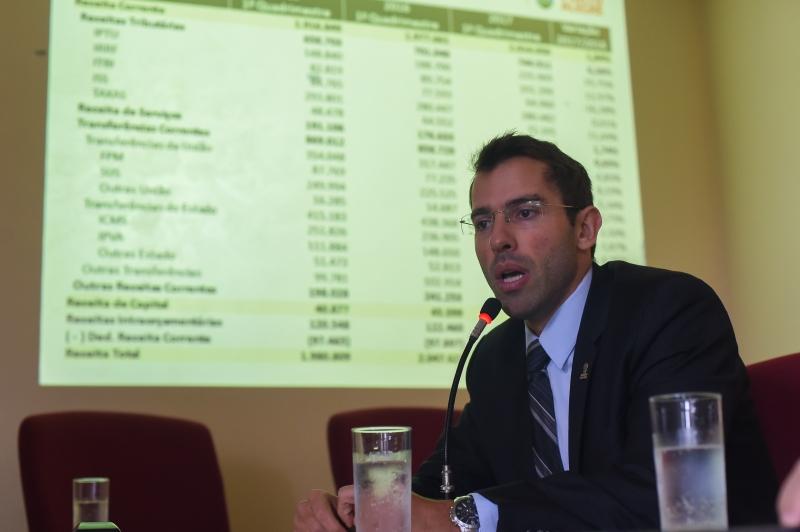 Custo com pessoal está próximo do limite prudencial, diz Busatto