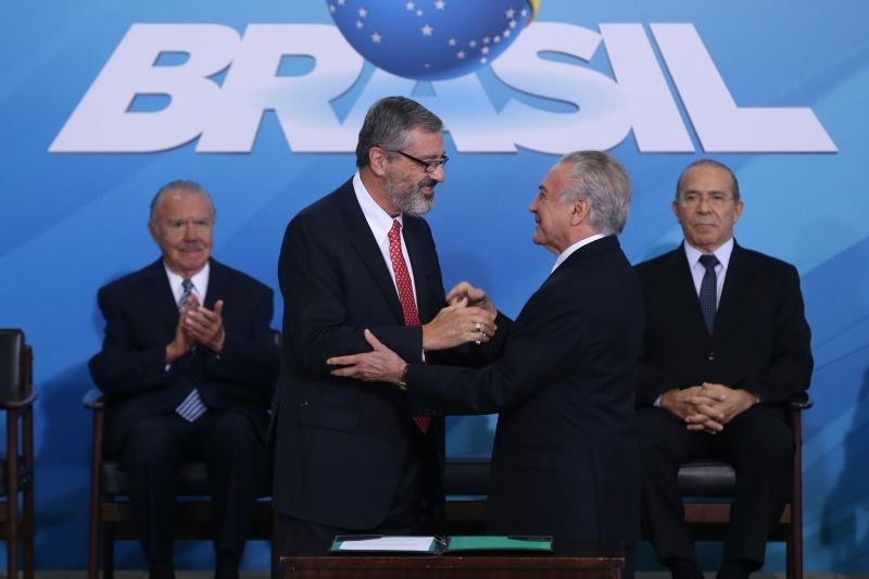 Michel Temer dá posse a Torquato Jardim, em cerimônia no Planalto