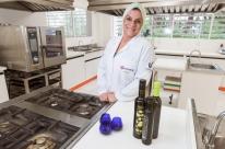 Pesquisadores estudam o azeite de oliva gaúcho