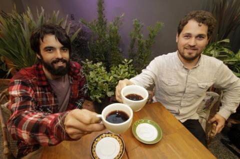 Entrevista com os proprietários do café e floricultura Ginkgo, para o Geração E Experimenta