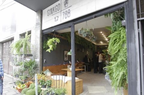 Café com floricultura é a novidade do bairro Bom Fim