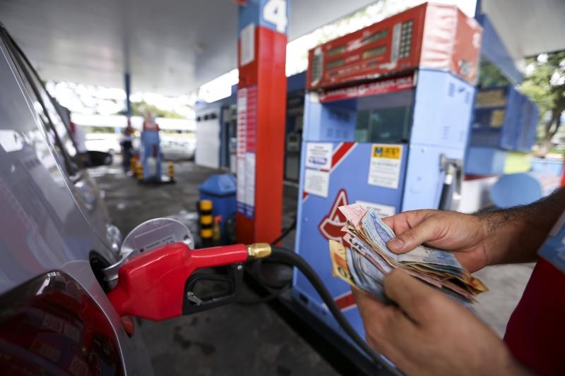 Segundo a ANP, litro do combustível custa, em média, R$ 4,333 nos postos gaúchos