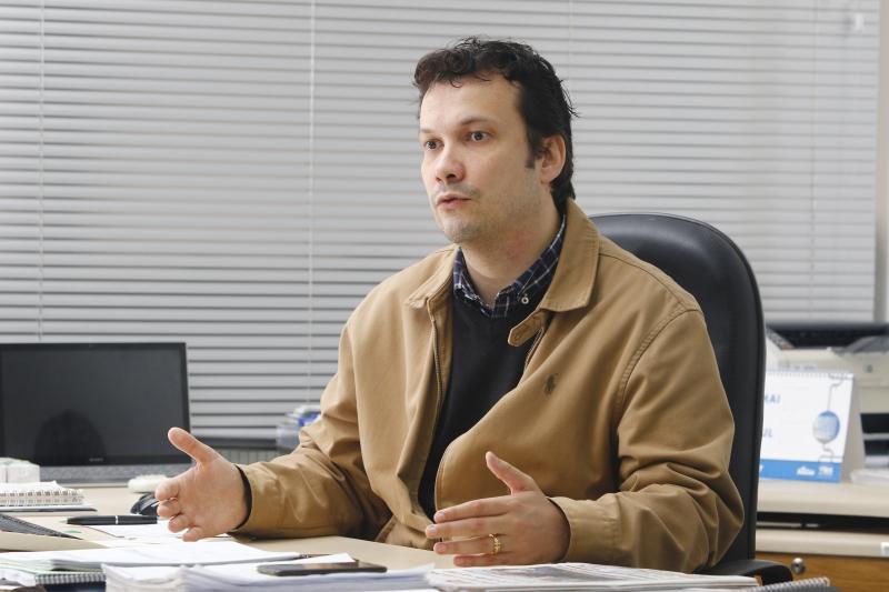 Entrevista especial da POLÍTICA, com o secretário de Minas e Energias, Artur Lemos (PSDB).