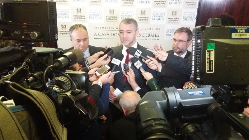 Edegar Pretto concedeu uma coletiva em que comentou o pedido do Executivo