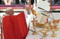 No dia de Pentecostes, Papa Francisco pede Igreja unida na diferença