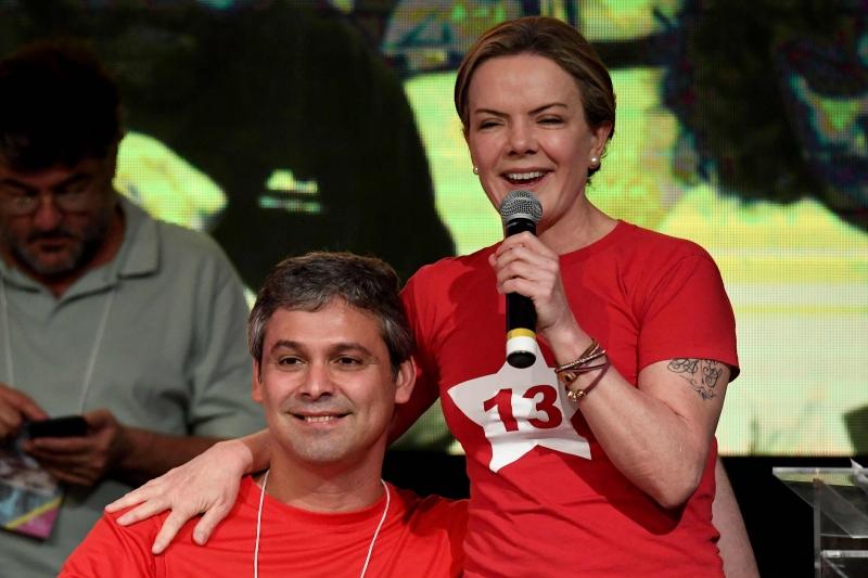 Senador fluminense apoiou presidente do PT em sua fala sobre impedimento de entrevistas com Lula