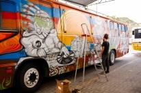 Ônibus grafitado será símbolo do Prefeitura nos Bairros