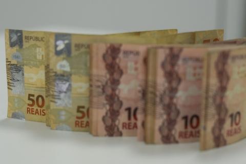 dinheiro cédulas moeda real foto Marcello Casal Jr Agência Brasil.jpg6