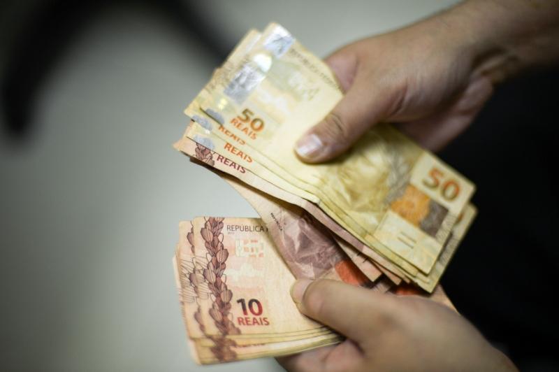Cada R$ 1,00 de ganho real geraria um impacto de R$ 300 milhões