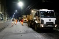 Obras de requalificação deixam trânsito em meia pista na avenida Mauá