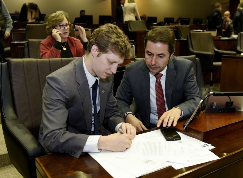 Deputado Marcel Van Hattem (PP) quer que plebiscito se estenda para Banrisul, Corsan e Procergs - plenário Assembleia Legislativa - discurso - Rio Grande do Sul - governo sartori
