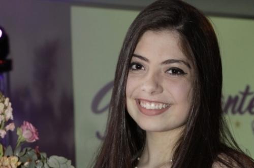 Daniela Wuttke Doutrelepon, debutante da AABB Porto Alegre