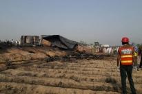 Explosão de caminhão mata 153 pessoas no Paquistão