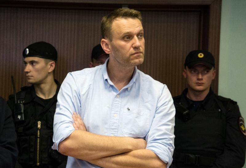 Navalny postulava a presidência e chama a decisão de armação