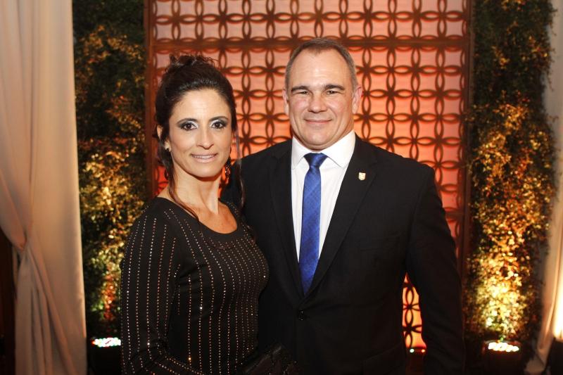 Gustavo e Luana Caleffi, casal presidente da ALJ, recepcionaram os convidados