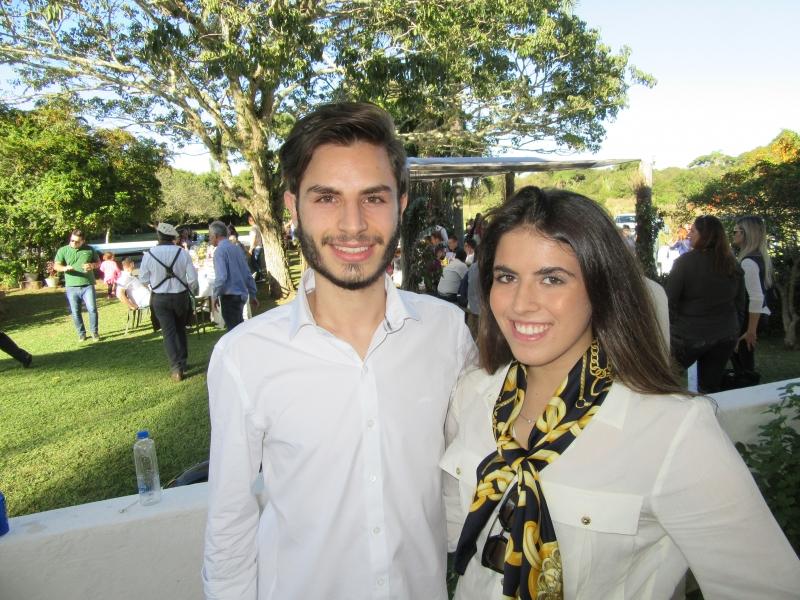 Afonso Moussaoni e Paula Moussaoni no evento em Guaíba