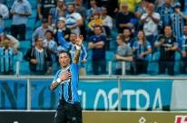Grêmio liquida o Furacão na Arena