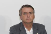 Bolsonaro gasta 39% a mais com cota parlamentar para viagens