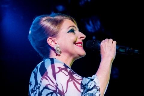 Em cena a soprano Tânia Apelbaum Novak
