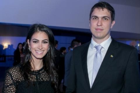 FOTOLegenda 5:  A vice-presidente do IEE, Giovana Stefani, com o novo presidente do IEE, Júlio César Bratz Lamb em sua posse