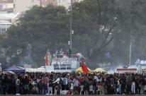 Com restrições da pandemia, Parada LGBTI arrecada doações em drive-thru neste domingo