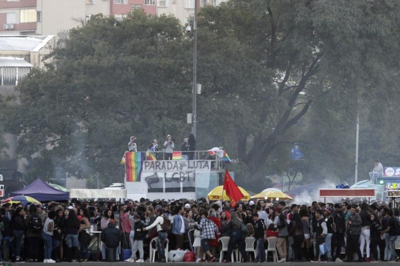 Em vez de reunir a popular multidão no Parque da Redenção, parada quer mobilizar solidariedade