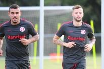 Odair mostra que pode tirar mais de Pottker e Nico López no Inter