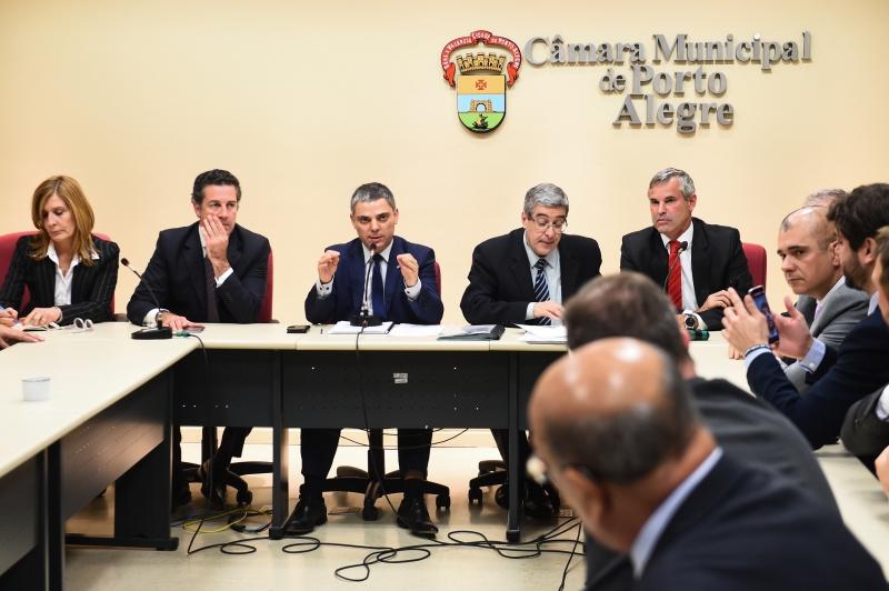 Sessão extraordinária aprovou projeto do Executivo para elevar a alíquota da previdência dos servidores