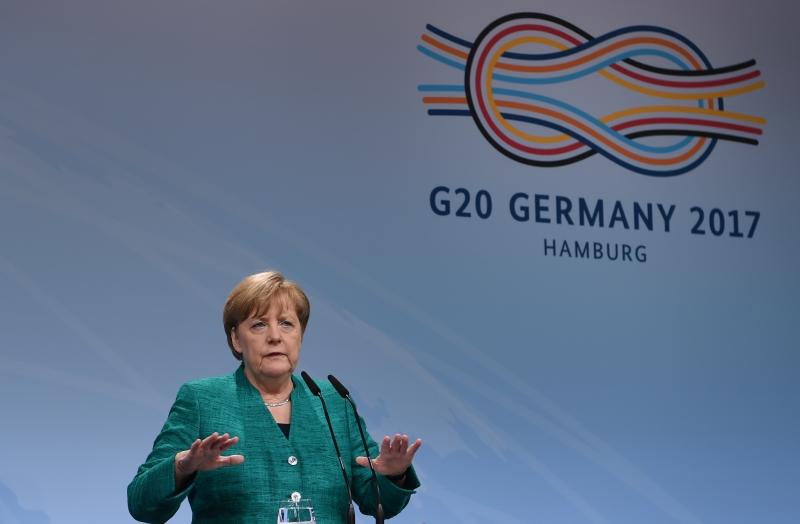 """Conforme a chanceler, apenas uma aliança com o SPD trará um """"governo estável"""" à Alemanha"""