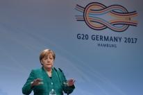 Merkel defende diálogo rápido por 'governo estável' na Alemanha