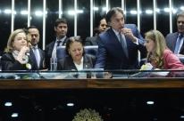 Presidente do Senado dá ultimato para que senadoras da oposição permitam votação